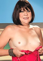 Sindy Silver - Don't just sit there and watch Sindy. Jack!