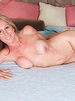 Jenna Covelli - Jenna and her amazingly long nipples