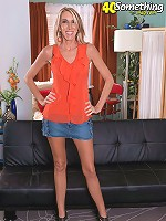 Brynn Hunter - Long-Legged Brynn's First Time