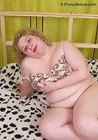 Pretty fat girl looks like a pink piggy