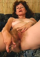 Mature ho with natural bushy twat busted dildoing