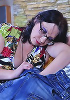 Lillian M&Claudius pantyhosefucking frisky mature chick