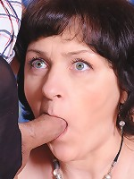Emilia&Govard pantyhosefucking eager mature chick