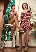 Elvira&Subrina pantyhosefucking horny mature gal