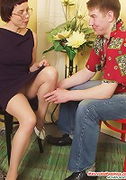Ethel&Oscar pantyhosefucking pretty mature babe