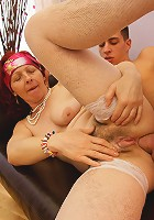 This mama gets a warm anal creampie