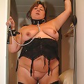 Big european mature slut playing with herself