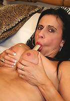 Kinky housewife rocking her pussy