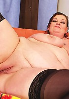Big mama showing off her ass and pussy