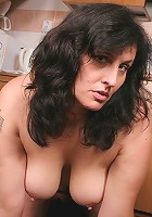 Hot housewife making her pussy wet