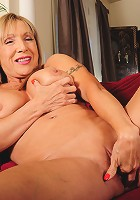 This all American housewife is horny as hell