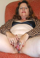 This big mama just gets her pussy stretched up