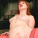 Pin up cougar Amber Dawn finger fucks her sweet pussy until she cums