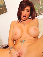Classy Anilos Brittany Blaze fingers fucks her mature pussy in bed
