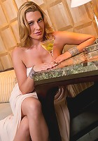 Elegant Anilos babe gives you a peek up her evening gown