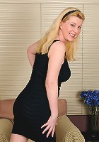 Unbelievably beautiful 51 year old Venice poses and spreads for you