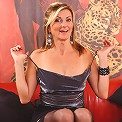 Diana P takes off her skirt and plays with her mature and meaty box