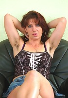 Hairy pits and full bush is witing for you on this natural MILF