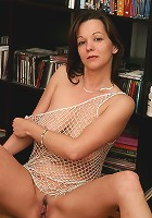 Hot older Samantha peels off her clothes in the library
