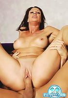 Here's a new taste of aged ass for you MILF maniacs out there! Watch Vanessa get her freak on at dirtykinkymature.com