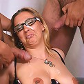 Sexy old slut gets double penetrated!