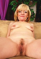 Hot granny sucks and fucks with the experience of age!