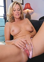 This horny housewife is a MILF-lover's wet dream cum true!