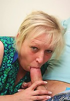 Facial cumshot for granny babe
