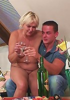 Mother in law gets him to fuck her sexy snatch and makes the mature babe feel good