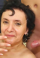 After fucking this tasty mature treat he wants to cum on her face and she takes it