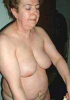 mature housewife thumbs