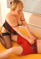 Mom in stockings banged