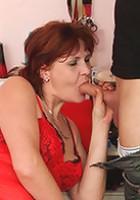 Experienced redhead cock-sucker