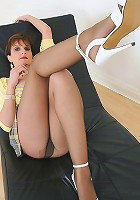 Pantyhose milf