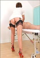 Nylons masseuse